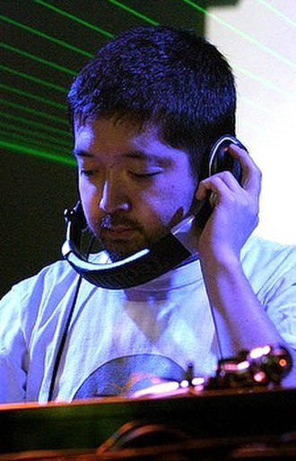 Nujabes - Image: Nujabes performing live