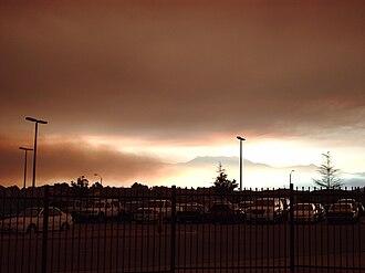 Esperanza Fire - Smoke from the Esperanza fire rolling through Hemet as seen from West Valley High School.