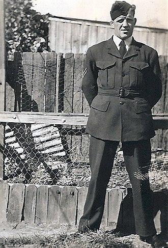 1946 NSWRFL season - Image: Herb Narvo Aust 1944