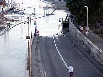 2002 European floods - Flooding in Budapest