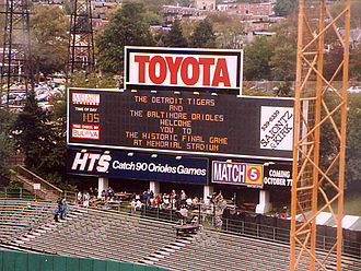 Memorial Stadium (Baltimore) - Scoreboard before the final Orioles home game, October 6, 1991