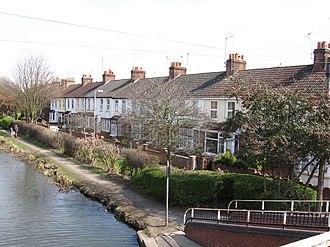 Queens Park, Aylesbury - Image: Coronation Villas Aylesbury