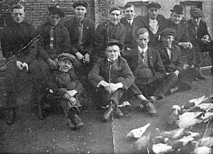 Owney Madden - Gopher Gang c. 1910, Madden back row, middle, leaning forward