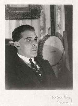 Juan Gris - Gris in 1922 (photograph by Man Ray, Paris)
