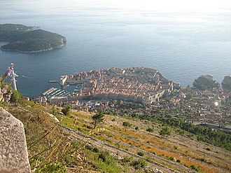 Siege of Ragusa - Image: Walls of Dubrovnik seen from hill