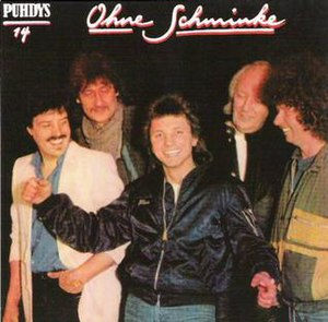 Puhdys - By the time of Ohne Schminke in 1986, the Puhdys had undergone only one change in personnel, drummer Klaus Scharfschwerdt, center.