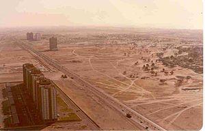 Sheikh Zayed Road in 1990