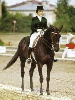 Yelena Petushkova equestrian
