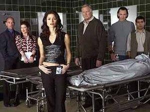 Crossing Jordan - Cast members Miguel Ferrer, Kathryn Hahn, Jill Hennessy, Ken Howard, Steve Valentine, and Ravi Kapoor (left to right)