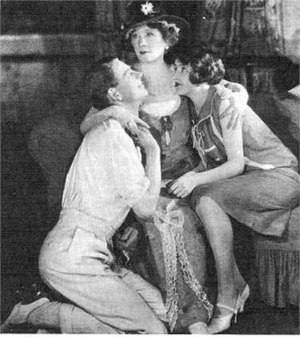Hay Fever (play) - Marie Tempest as Judith with Robert Andrews and Helen Spencer as her children
