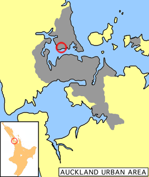 Location of Birkenhead in Auckland.