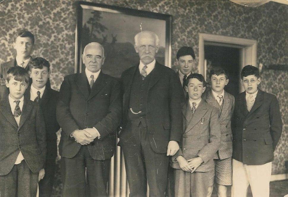 The Warden of Bembridge School and several students, visiting Fridtjof Nansen