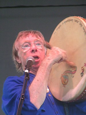 The Clancy Brothers - Tommy Makem (group member, 1956–69, 1984–85) playing a bodhrán in 2005, two years before his death