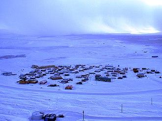 Resolute, Nunavut - Image: View of resolute bay 4