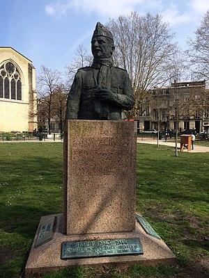 Joseph de Goislard de Monsabert - Monument to the memory of General Joseph de Goislard de Monsabert dedicated on 8th July 1985, in the Place des Martyrs de la Résistance, Bordeaux, France