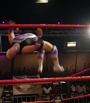 Tornado (wrestler) - Tornado executing the Tornadosault