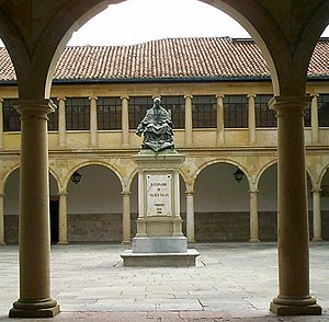 Fernando de Valdés y Salas - The statue of founder Fernando de Valdés Salas in the courtyard of University of Oviedo library.