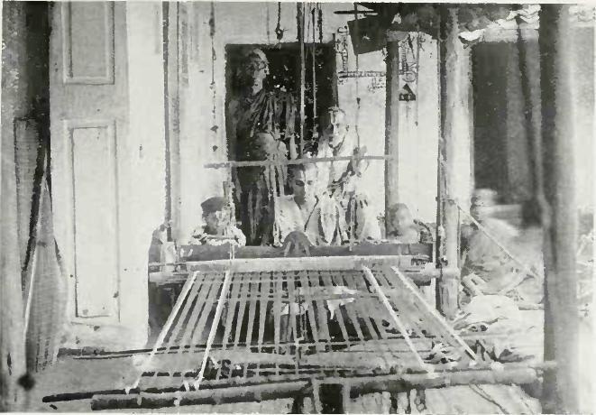 Handloom weaving 1913