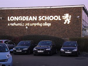 Longdean School - Image: Longdean School sign
