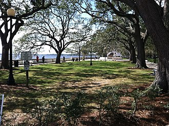 Memorial Park (Jacksonville) - Image: Mem Park Jax Shade