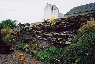 Dunnet - Brotchie's steading facing NE showing the depth of stratigraphy