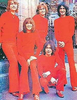 The Valentines (rock band) - The Valentines c. 1969: (L–R) Wyn Milsom, Bon Scott, Vince Lovegrove, Paddy Beach, Ted Ward