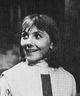 Vicki (Doctor Who) - Image: Maureen O'Brien as Vicki