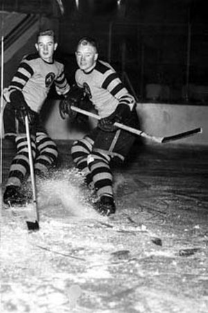 Pittsburgh Yellow Jackets - Yellow Jackets players Gus Giesebrecht, left, and Byron McDonald at the Duquesne Gardens in 1937.