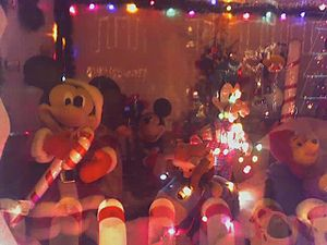 Miracle on 34th Street (Baltimore) - Image: Hampden Mickey Mouse