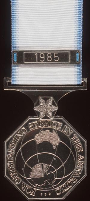 Australian Antarctic Medal - Image: Australian Antarctic Medal