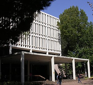 University of California, Los Angeles Library - Image: Charles E. Young Research Library, UCLA