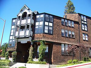 University of California, Berkeley student housing - Foothill - La Loma
