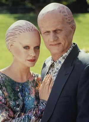 Alien Nation (film) - ''Alien Nation'' television series actors Eric Pierpoint and Michele Scarabelli wearing applied headpiece makeup in 1994; similar in scope to the ones utilized in the film.