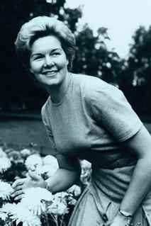 Margreta Elkins Australian operatic mezzo-soprano