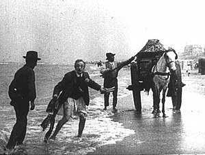 Willy Mullens - The Misadventure of a French Gentleman Without Pants at the Zandvoort Beach (1905)