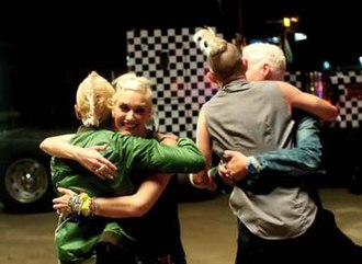 Settle Down (No Doubt song) - The band in the music video, where Gwen Stefani, Tom Dumont, Tony Kanal and Adrian Young are happily reunited.