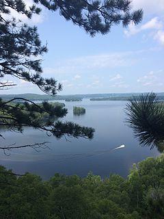 Peninsula Lake lake in Ontario, Canada