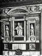 Tomb of Pope Nicholas IV.jpg