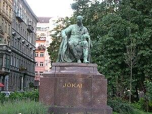 Mór Jókai - Mór Jókai Statue