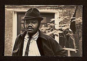 Bob Thompson (painter) - Bob Thompson in the garden of the Martha Jackson Gallery, New York, 1965