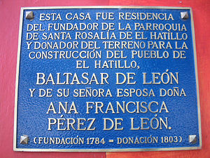 El Hatillo Municipality - A plaque in front of Baltasar's house describes how he donated land to construct El Hatillo Town (click to read translation).