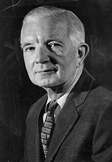 Edgar Munzel American sportswriter