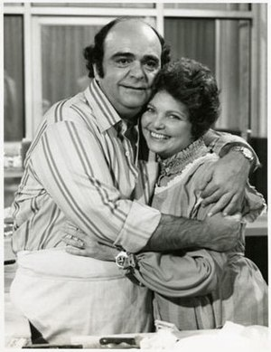 The Dumplings (TV series) - James Coco as Joe Dumpling and Geraldine Brooks as Angela Dumpling in The Dumplings.