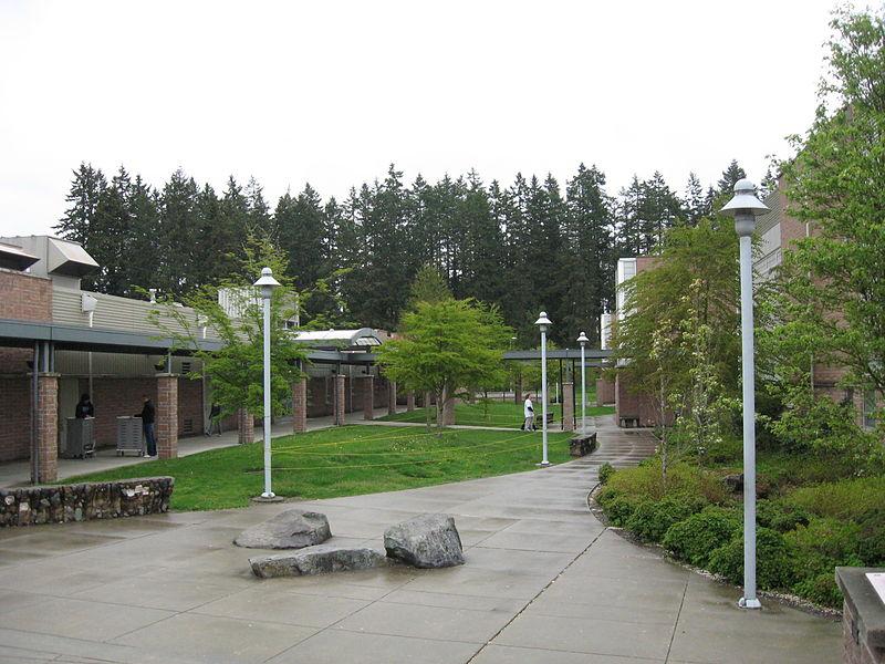 Meadowdale High School campus.jpg
