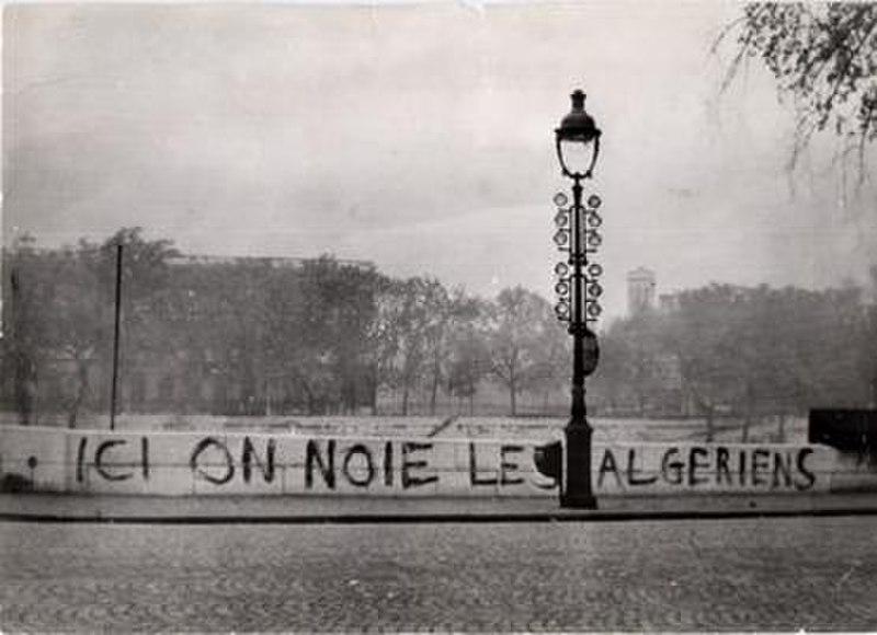 Fichier: Ici se noient les Algériens.jpg