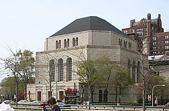 Synagogue - Temple Sholom in Chicago's neighborhood of Lakeview
