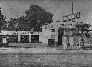 Edelbrock - Edelbrock's garage on the corner of Hancock and Avalon in Los Angeles. ca. 1930's