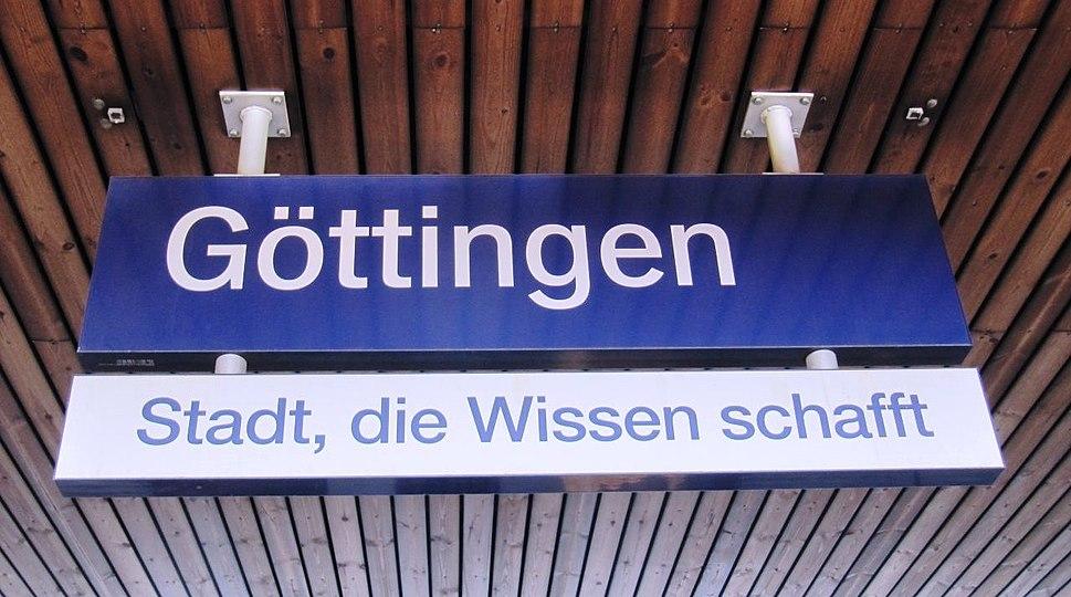 G%C3%B6ttingen train station sign