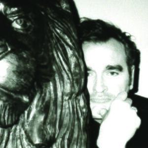 300px-Single_artwork_for_Morrissey_single_Kiss_Me_A_Lot_%282015%29.jpg