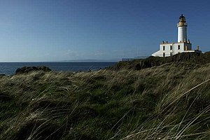 Turnberry (golf course) - Turnberry Point Lighthouse, built on the ruins of Turnberry Castle, at the ninth hole of the Ailsa Course